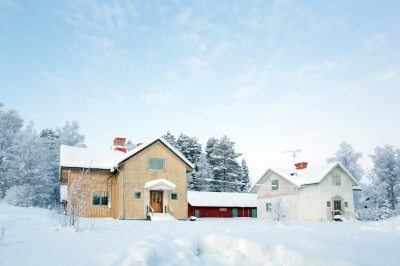 Spine Safe Snow Shoveling Tips from Nebraska Spine Hospital